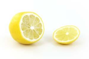 Muebles de mimbre: dales brillo con aceite de limón