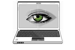Limpiar la pantalla del ordenador con alcohol