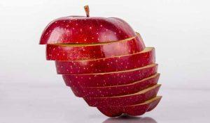 Atrapar moscas con manzana