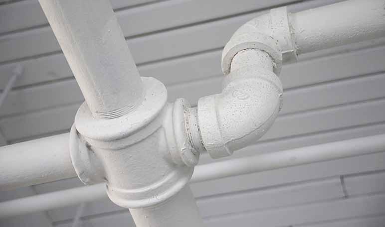 Desatascar tuberías con vinagre y bicarbonato - Trucos de hogar caseros