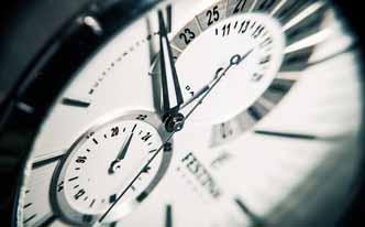 Cómo limpiar un reloj de acero con agua
