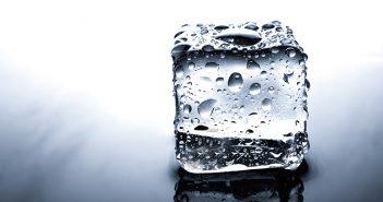 Limpiar el congelador con bicarbonato - Trucos de hogar caseros
