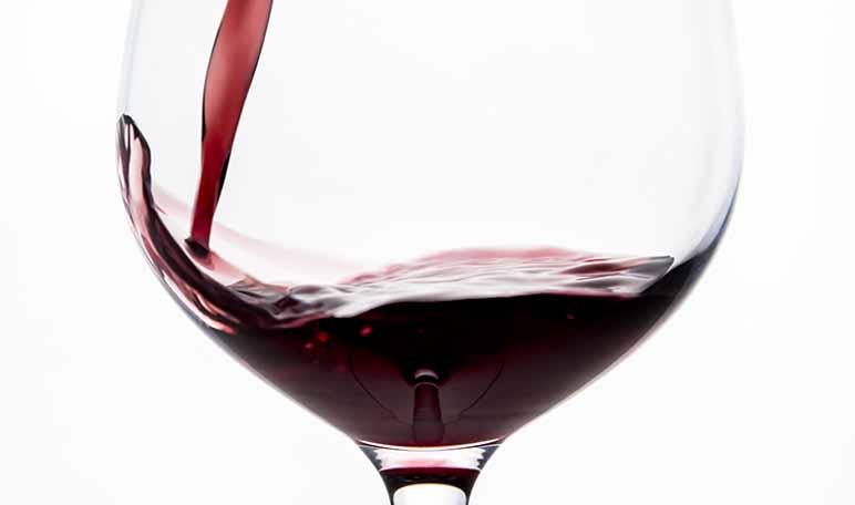 Cómo eliminar las manchas de vino tinto - Trucos de hogar caseros