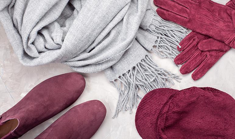 Cómo limpiar el ante con polvos de talco - Trucos de hogar caseros