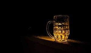 Limpiar cuero con cerveza