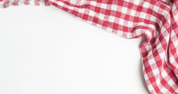 Cómo quitar las manchas de grasa en el mantel con talco - Trucos de hogar caseros