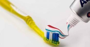 Cómo limpiar la plata en casa con pasta de dientes