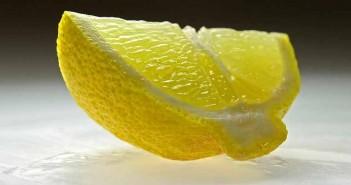 Cómo quitar manchas de bolígrafo con limón