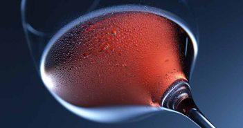 Limpiar el cobre con vino tinto