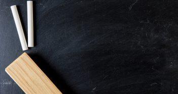 Eliminar la humedad de los armarios con tiza - Trucos de hogar caseros