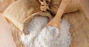 Eliminar la humedad de los armarios con arroz - Trucos de hogar caseros