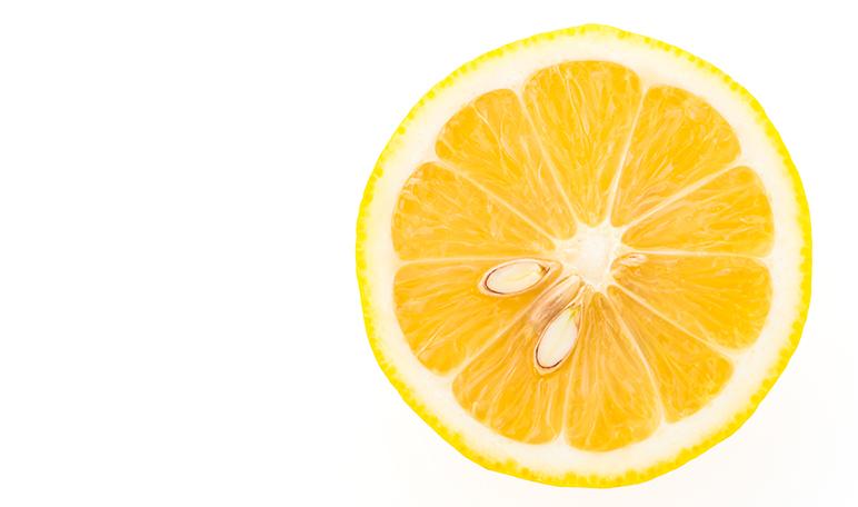 Repeler a las hormigas con limón - Trucos de hogar caseros