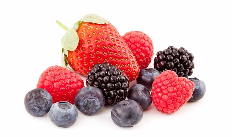 Eliminar las manchas de frutos rojos con agua oxigenada - Trucos de hogar caseros