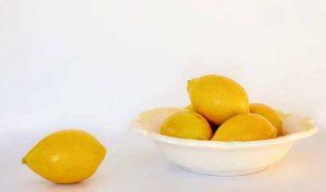 Eliminar manchas de nicotina con limón