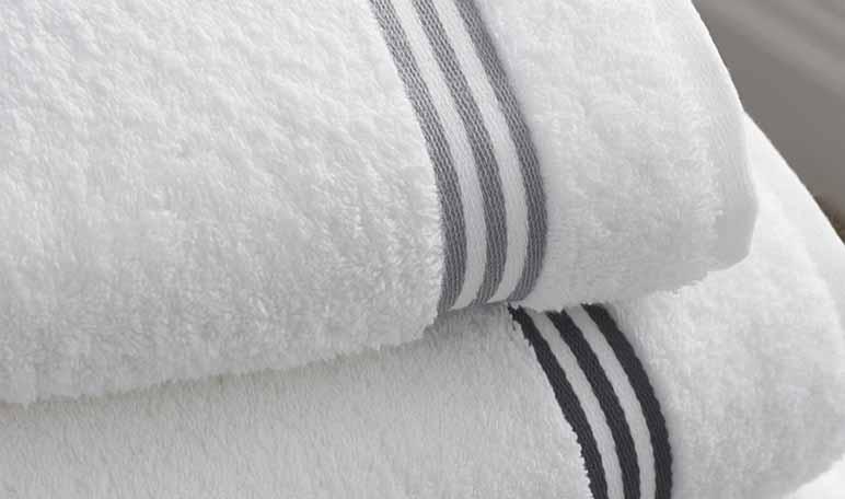 Cómo quitar las manchas de maquillaje de las toallas - Trucos de hogar caseros