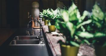 Cocinas y escaleras, ¿una buena mezcla para el hogar? - Trucos de hogar caseros