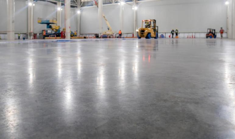 Cómo elegir una buena pintura para el suelo de hormigón - Trucos de hogar caseros